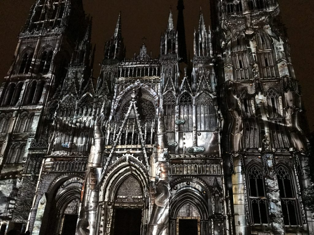 Notre Dame light show - Rouen