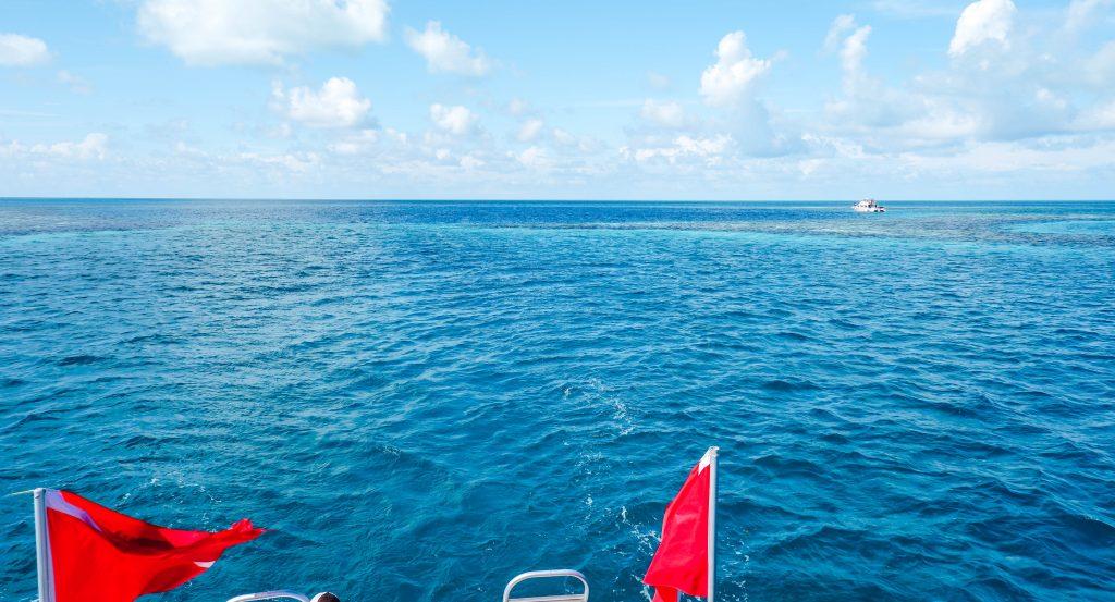 Blue Hole Belize boat